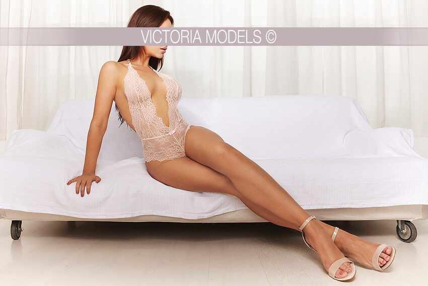 escort-model-berlin-maya016