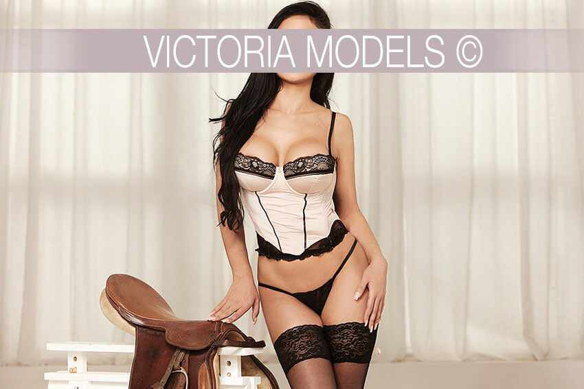 escort-model-frankfurt-mia013
